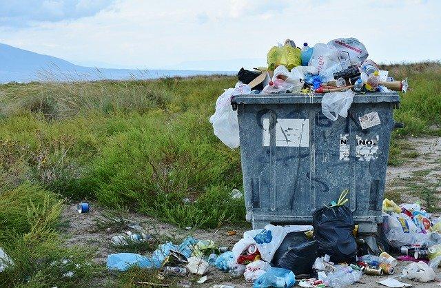 odpad s plastem